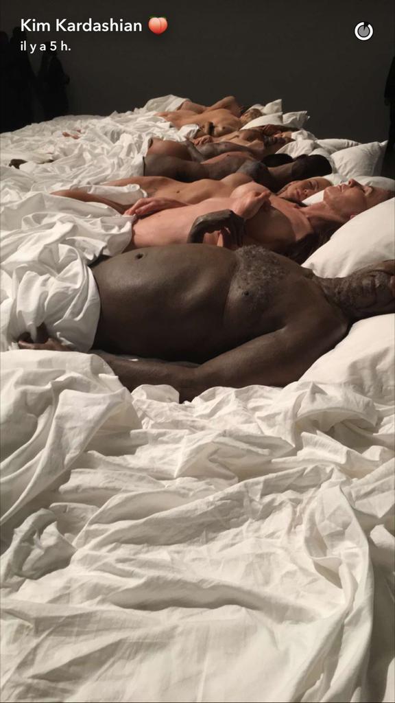 Kim Kardashian au vernissage de l'exposition d'art de Kanye West