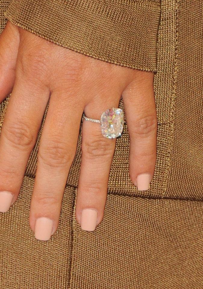Bague de fiançailles Lorraine Schwartz, diamant de 15 carats offert par Kanye West
