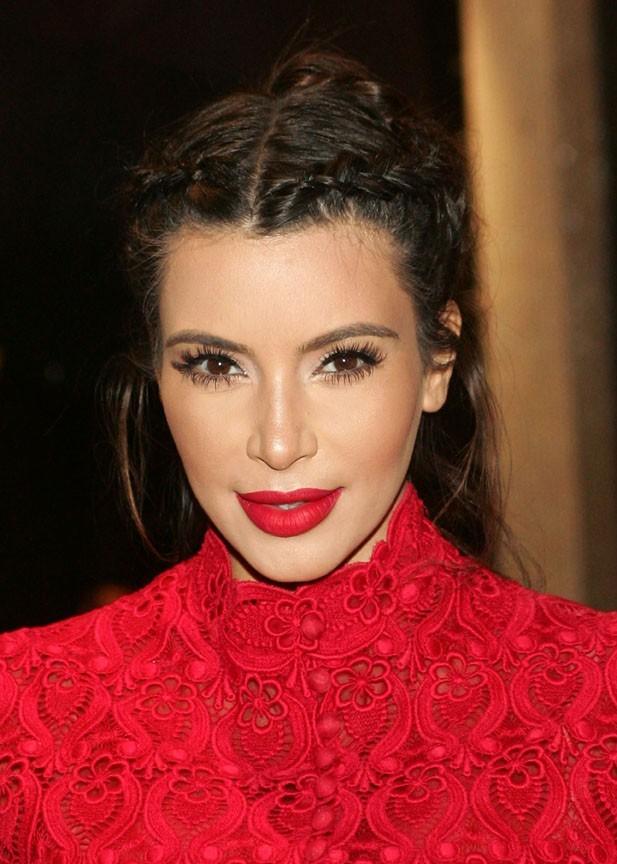 """Kim Kardashian pour la promotion de son parfum """"Glam"""" à Las Vegas le 13 avril 2013"""