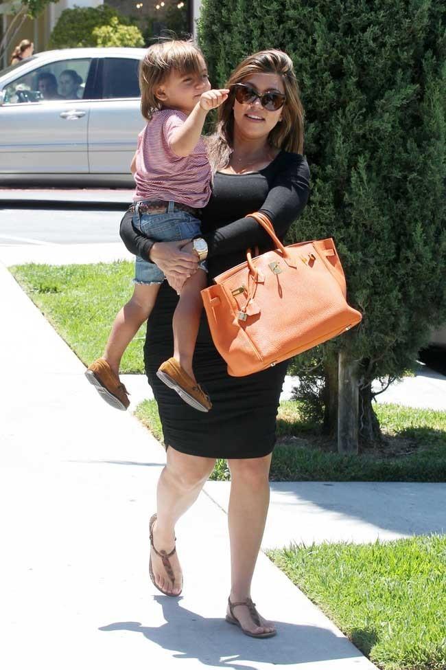 Kourtney Kardashian le 30 juin 2012 à Calabasas
