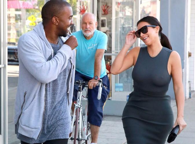 Kim Kardashian : boobs bien en vue pour le plus grand plaisir de Kanye !