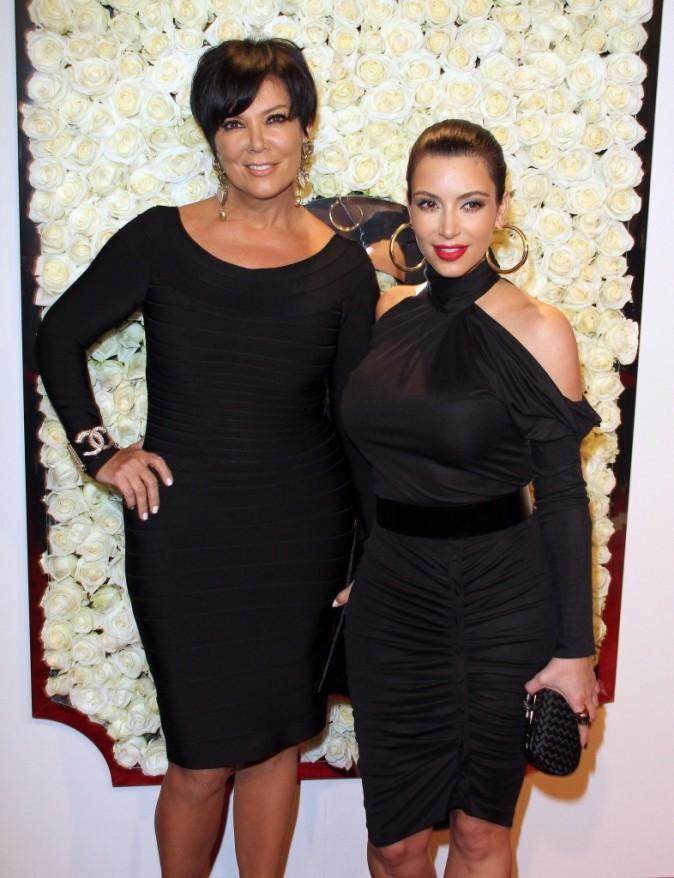 Kim Kardashian et Kris Jenner lors de la soirée QVC Red Carpet Style Event à Los Angeles, le 23 février 2012.