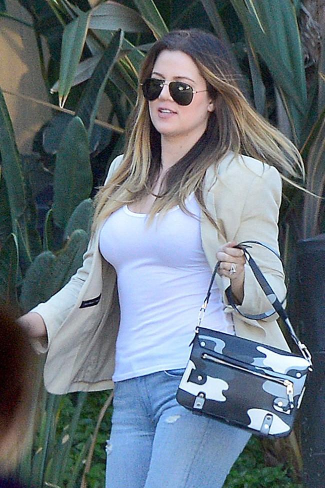 Khloe Kardashian à Woodland Hills le 8 octobre 2013