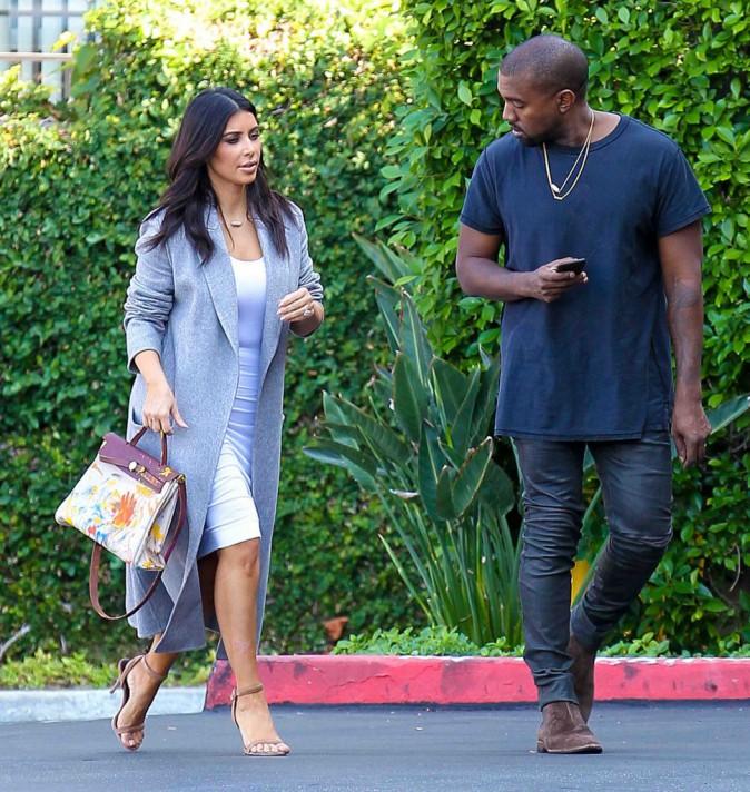 Kim Kardashian : de sortie avec Kanye, elle emporte l'œuvre d'art de sa fille !