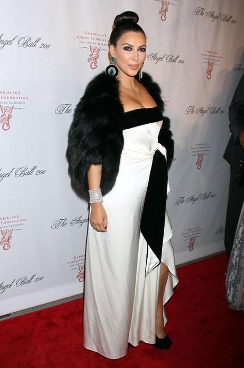 Kim Kardashian lors de la soirée Angel Ball benefitting Gabrielle's Angel Foundation for Cancer à New York, le 17 octobre 2011.