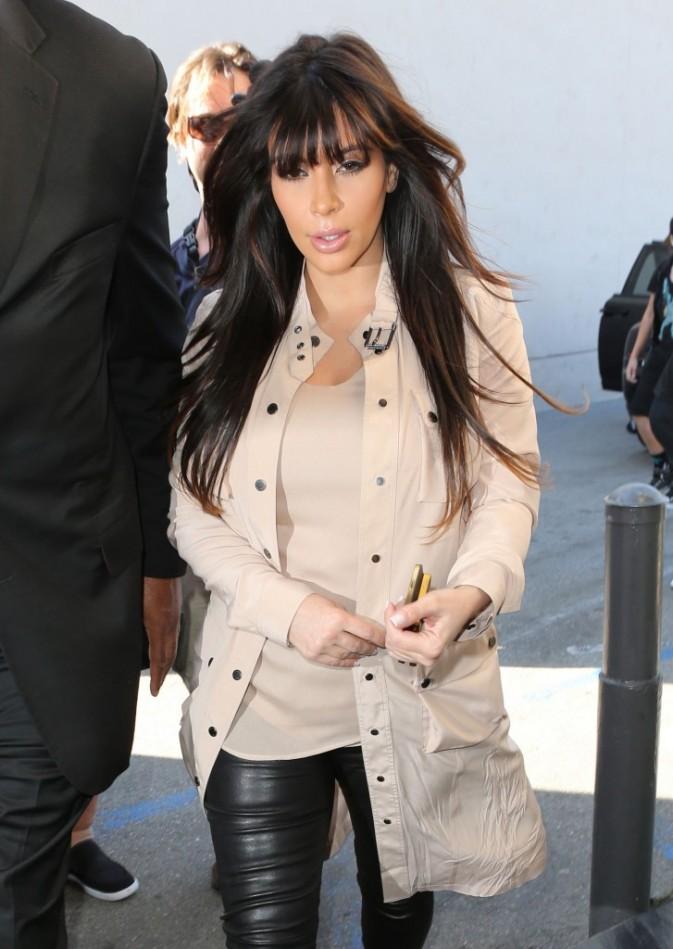 Kim Kardashian à Sherman Oaks avec ses soeurs, le 4 avril 2013.