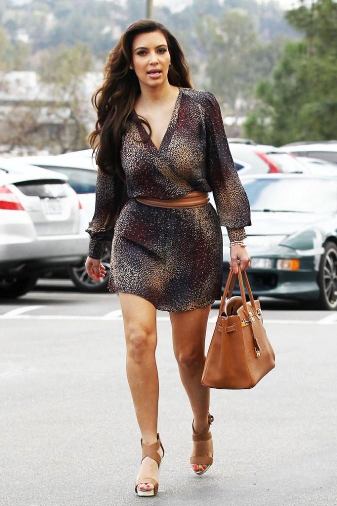Et oui, elle s'habille comme ça pour aller à  l'église...
