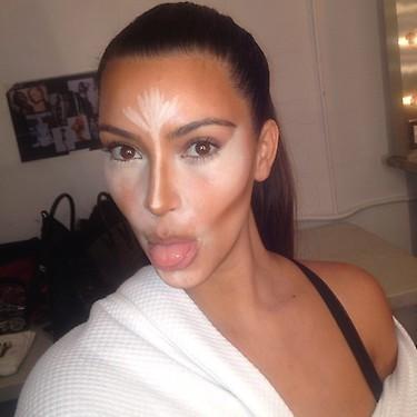 Photos  Kim Kardashian  elle nous dévoile les secrets de son teint si  parfait !