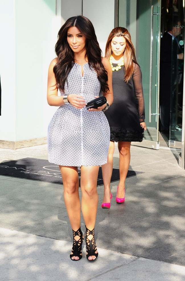 Kim et Kourtney Kardashian le 30 avril 2012 à New York