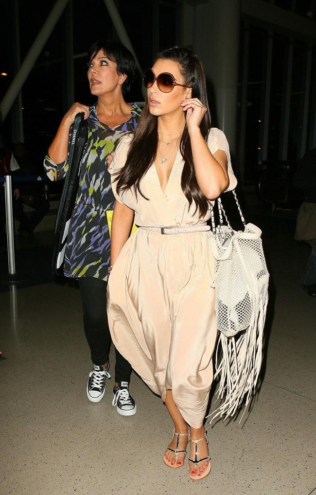 Kim Kardashian de retour à Los Angeles après des vacances de rêve...