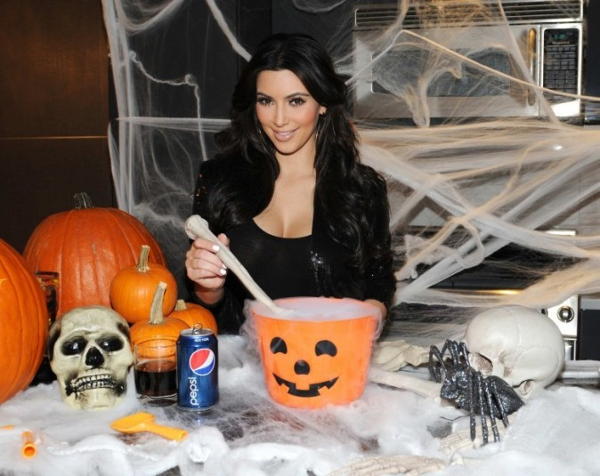 Kim adore Halloween !
