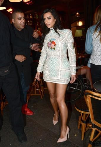 Kim Kardashian et sa bande de copines à Paris le 22 mai 2014