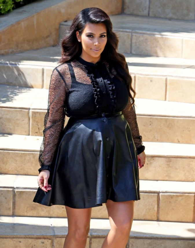Kim Kardashian sortant de chez elle à Los Angeles, le 28 mars 2013.
