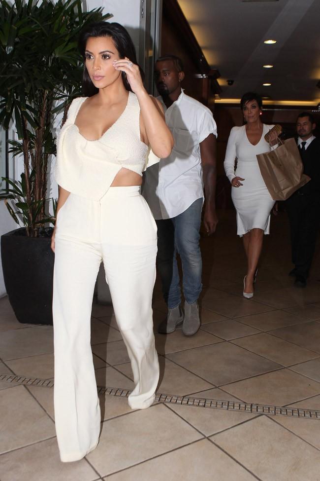 Kim Kardashian, Kanye West et Kris Jenner à Beverly Hills le 18 septembre 2014
