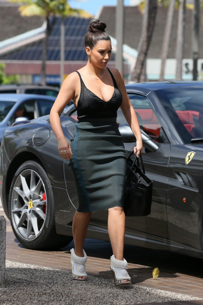 Kim Kardashian et Kanye West, 17 aout 2012 à Hawaii