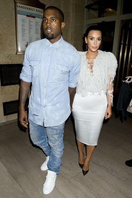 Kim Kardashian et Kanye West lors du défilé Marchesa à New York en septembre 2012.