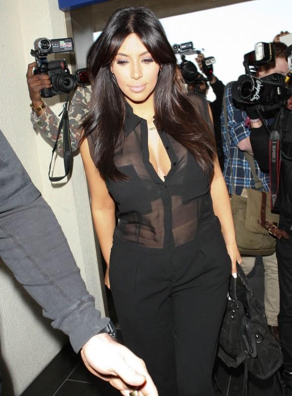 Kim Kardashian à l'aéroport de Los Angeles, le 7 février 2013.