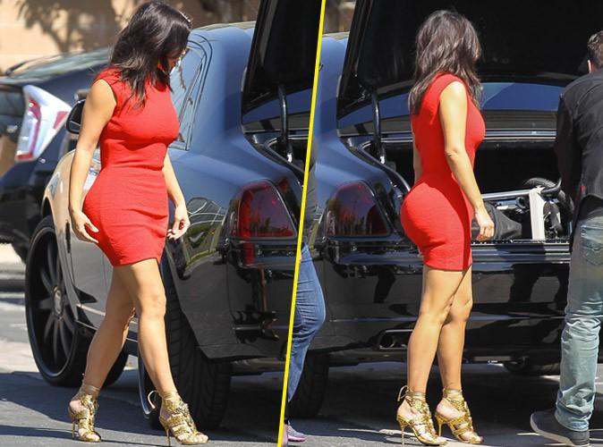 Photos : Kim Kardashian : flashy et toujours aussi moulée pour son retour à L.A. !