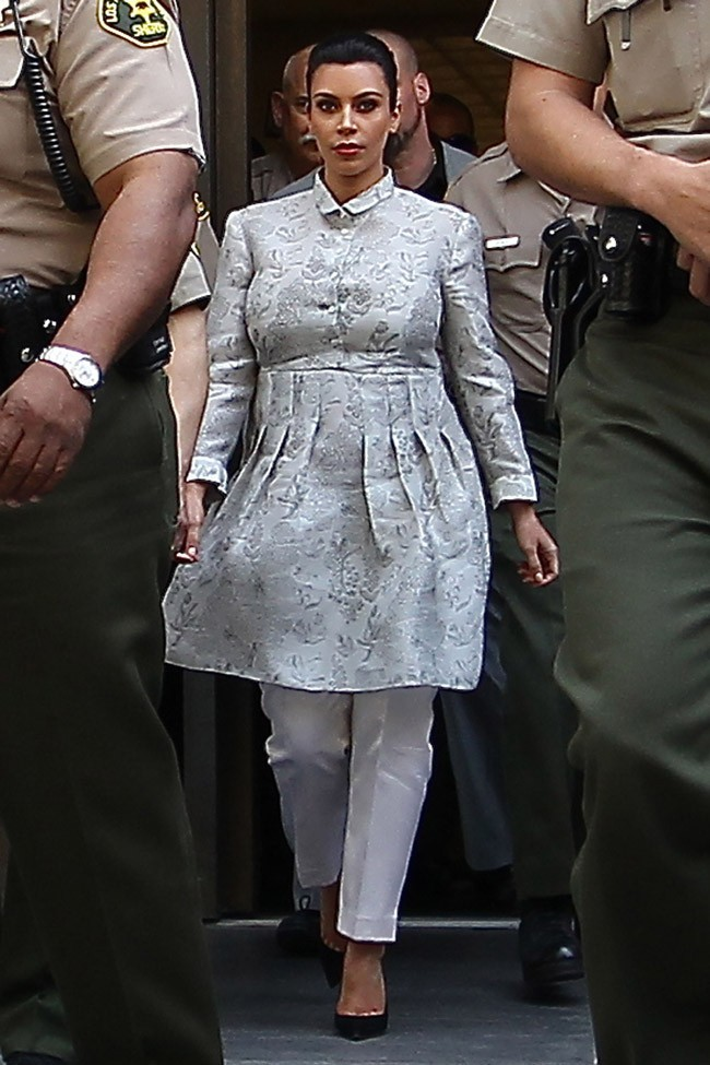 Kim Kardashian à la sortie de la Stanley Mosk Courthouse de Los Angeles le 12 avril 2013