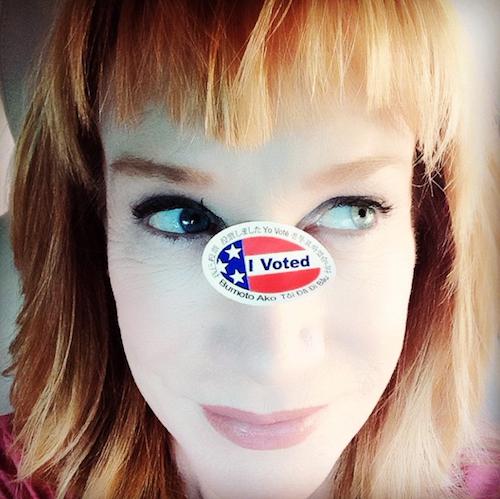 Katty Griffin vote pour les élections de mi-mandat de novembre 2014 aux Etats-Unis