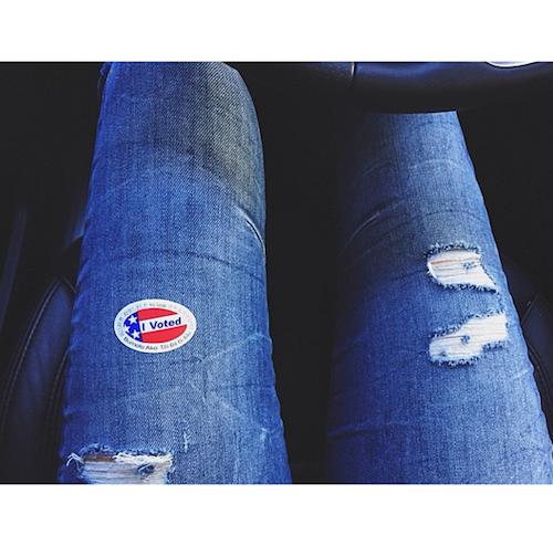 Kendall Jenner vote pour les élections de mi-mandat de novembre 2014 aux Etats-Unis
