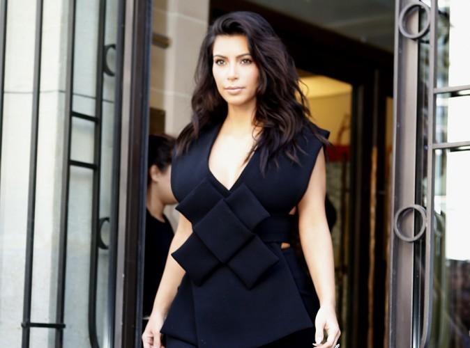 Kim Kardashian : Kanye West encha�ne les d�fil�s, elle fait la tourn�e des h�tels !