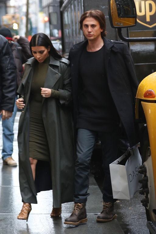 Kim Kardashian avec Jonathan Cheban à New-York le 10 décembre 2014