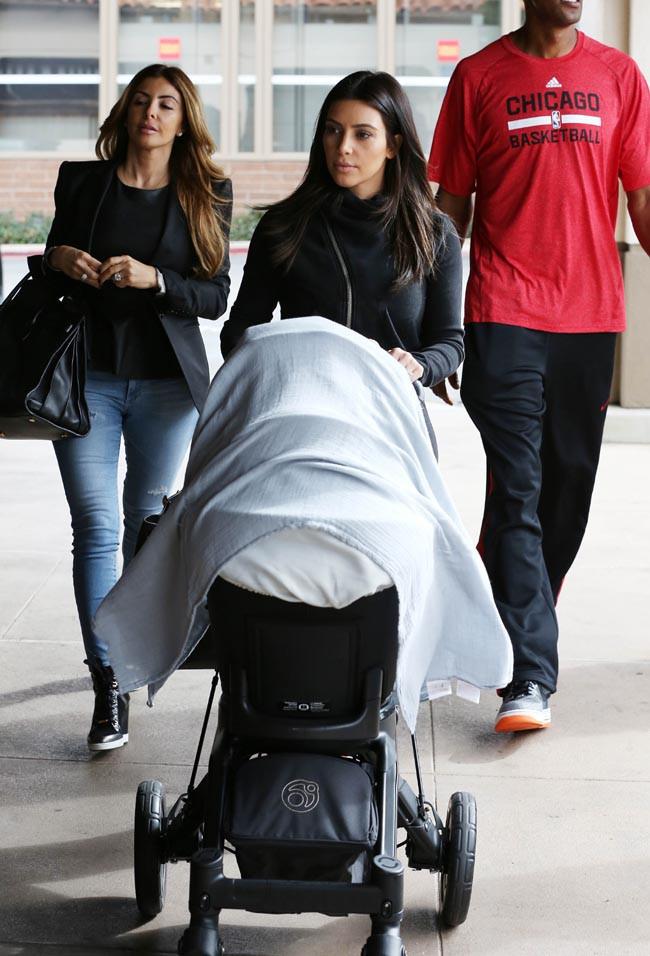 Kim Kardashian à Calabasas le 8 février 2014