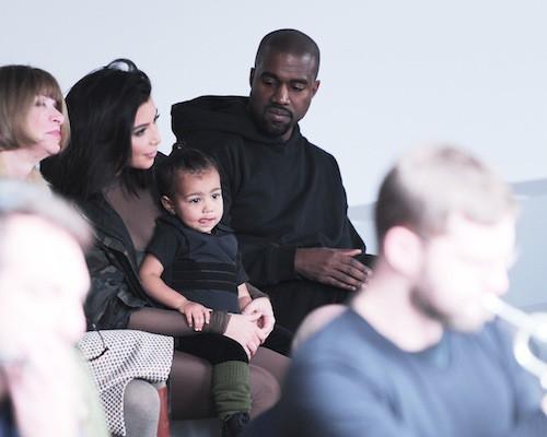 Kim Kardahsian, North West et Knaye West au défilé Kanye West x Adidas le 12 février 2015