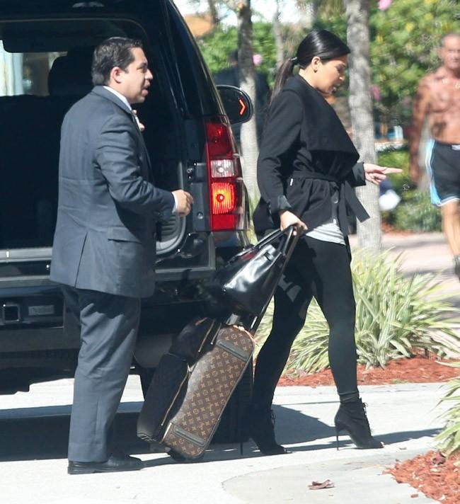 Kim Kardashian à l'aéroport de Miami le 2 février 2013