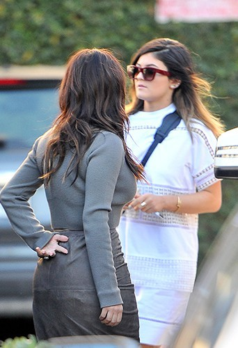 Kim Kardashian et Kylie Jenner à Los Angeles le 1er février 2014