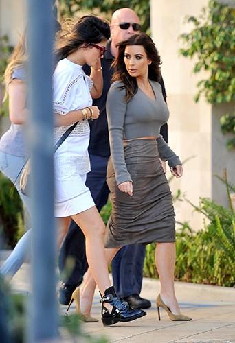 Kim Kardashian et sa petite soeur Kylie à Los Angeles le 1er février 2014