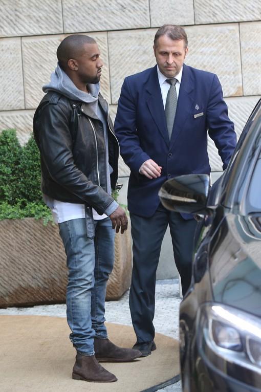 Kim Kardashian et Kanye West quittant leur hôtel de Prague le 1er juin 2014