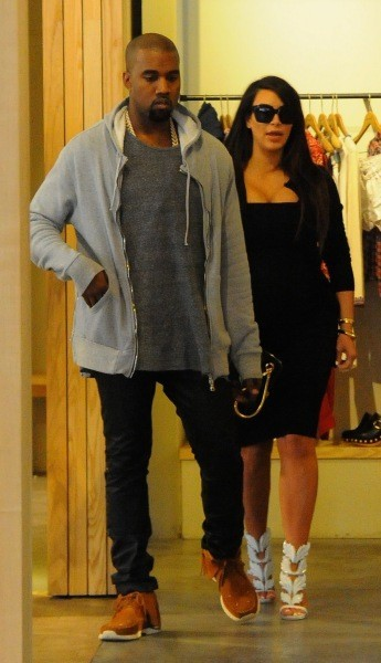 Kim Kardashian et Kanye West en plein shopping à New York, le 22 avril 2013.
