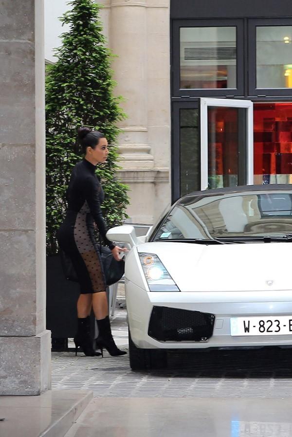 Kim Kardashian et Kanye West à Paris le 18 juin 2012
