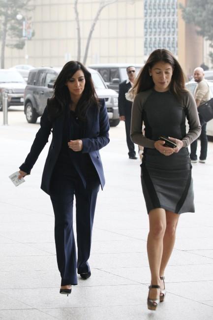 Kim Kardashian et l'avocate Laura Wasser le 5 février 2013 à Los Angeles