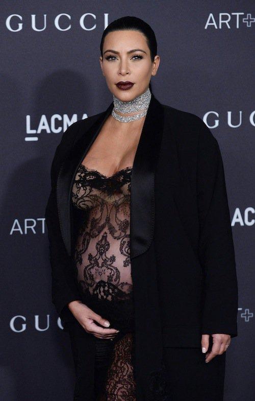 Photos : Kim Kardashian : tout en transparence, elle vole la vedette à Naomi Campbell !