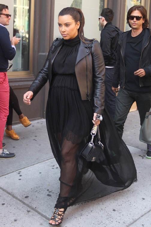 Kim Kardashian à New-York avec son meilleur ami Jonathan Cheban le 5 mai 2013