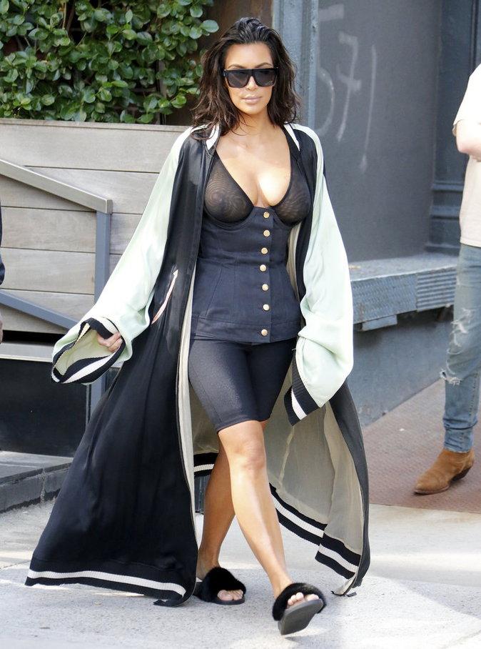 À New York, Kim Kardashian a osé la transparence !