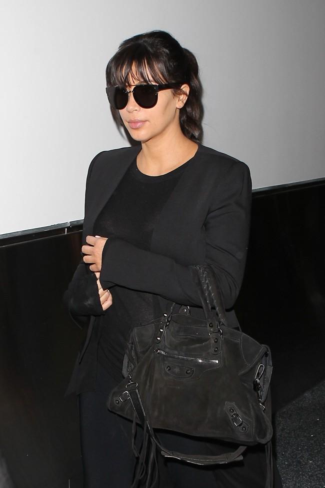 Kim Kardashian à l'aéroport de Los Angeles le 17 mars 2013