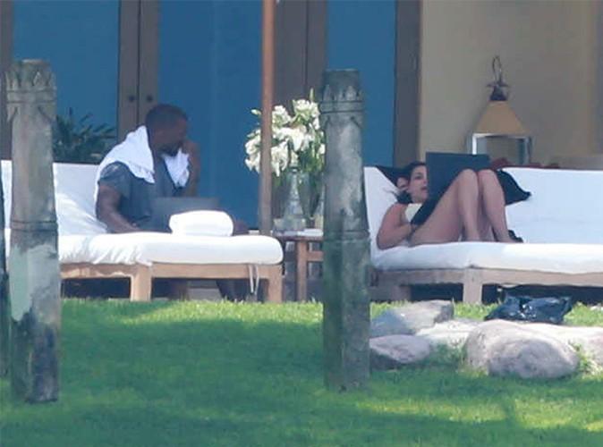 Photos : Kim Kardashian : une mariée ultra-sexy en bikini… découvrez les clichés de sa lune de miel au Mexique !