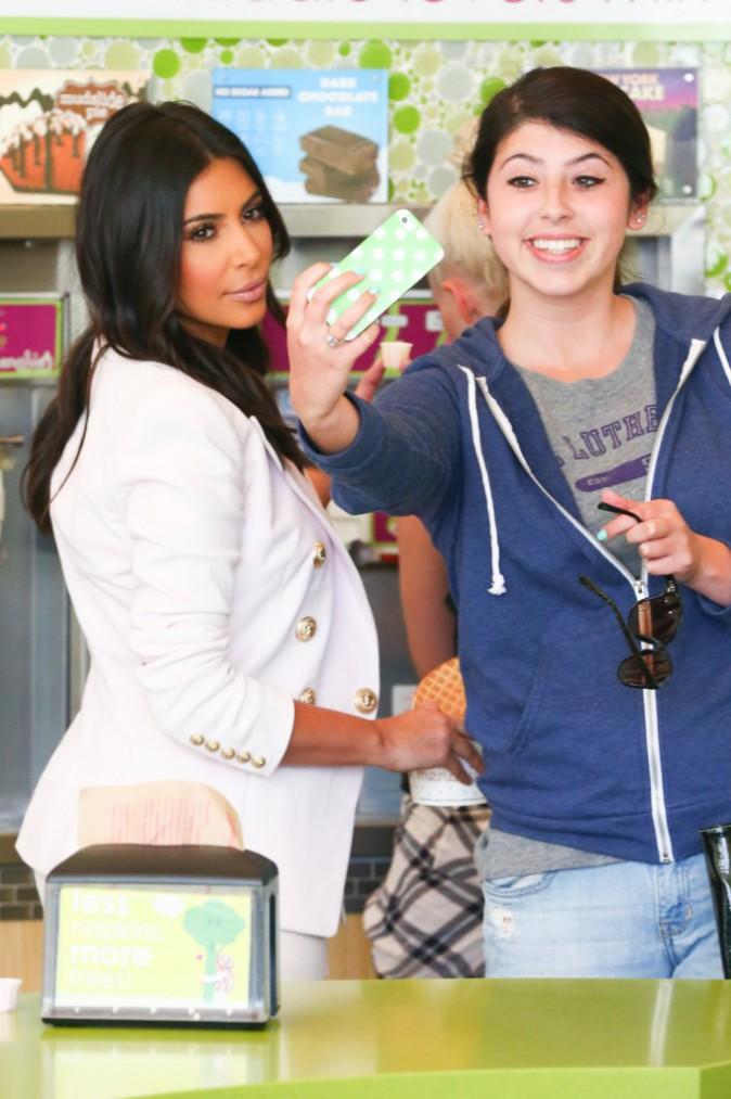 Photos : Kim Kardashian : avec ou sans make-up, la sexy mama reste au top !