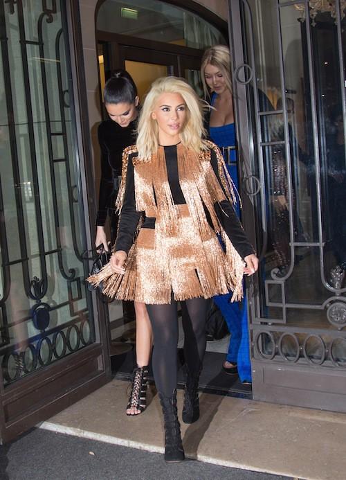 Kim Kardashian avant l'after show Balmain à Paris, le 5 mars 2015 !