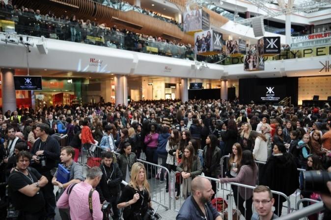 Des fans qui attendaient l'arrivée de leurs stars depuis la veille!