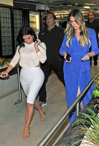 Kim et Khloé Kardashian à Los Angeles le 23 juin 2014