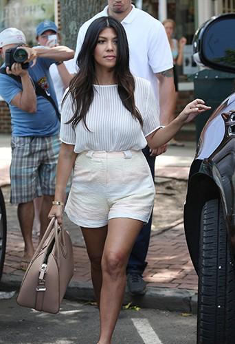 Kourtney Kardashian à Southampton le 30 juin 2014