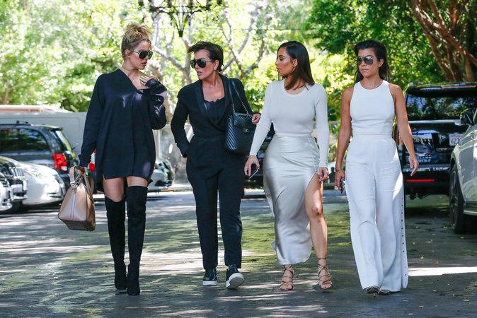 Photos : Kim, Kourtney, Khloe : les retrouvailles après l'effrayant accident...