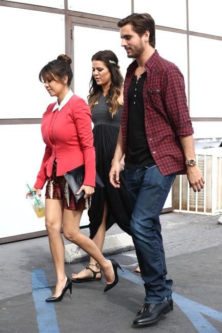 Kourtney Kardashian, Khloe Kardashian et Scott Disick le 25 mars 2013 à Los Angeles