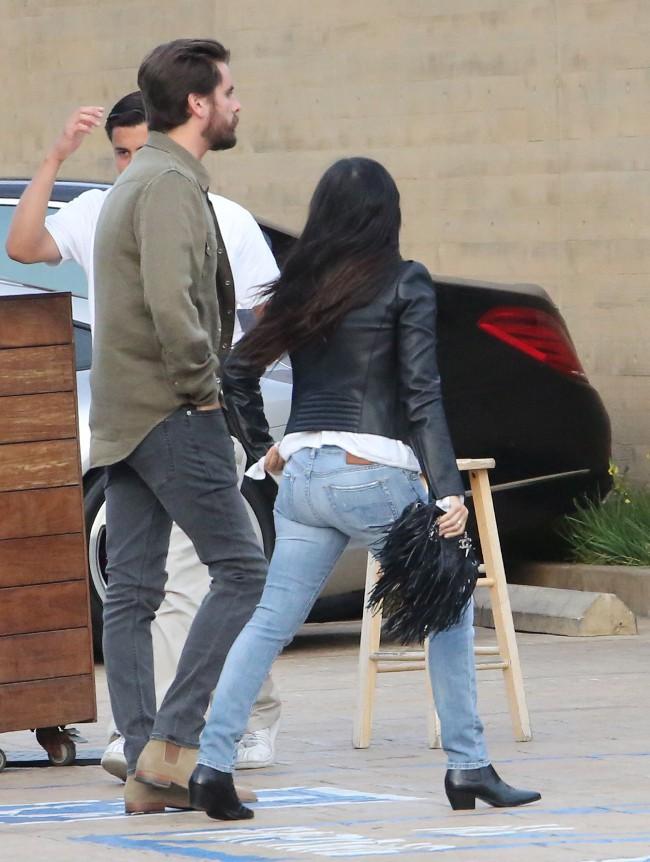 Kourtney Kardashian et Scott Disick à Malibu le 26 mai 2015