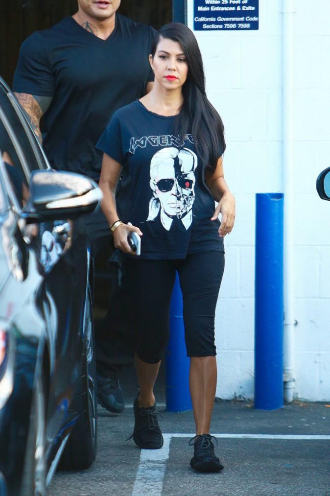 Kourtney Kardashian : Du bikini doré au look grunge, il n'y a qu'un pas !